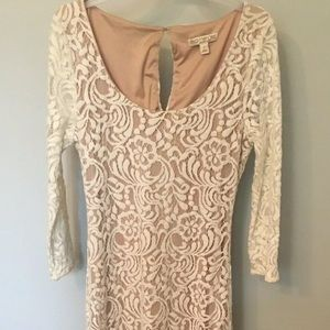 Eva Mendes size 2 dress tan w/ white lace overlay